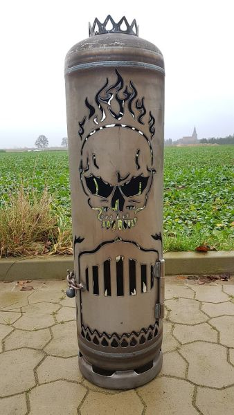 Great Fireplace Skull with Special Door by Feuerflair